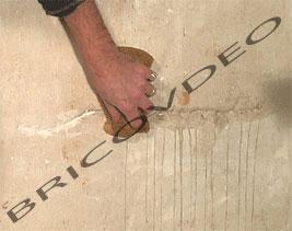 boucher les fissures des murs l 39 enduit r paration mur reboucher plafond conseils bricolage. Black Bedroom Furniture Sets. Home Design Ideas