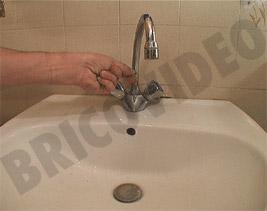 joint d 39 tanch it au silicone travaux de bricolage lavabo sanitaire vier ou baignoire. Black Bedroom Furniture Sets. Home Design Ideas