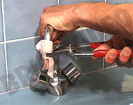 plomberie robinet videos gratuites de bricolage chantiers outillage 3d. Black Bedroom Furniture Sets. Home Design Ideas