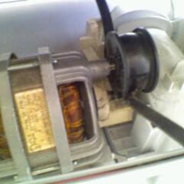 remplacer courroie s 232 che linge changer poulie moteur installer la courroie tendre mettre en place