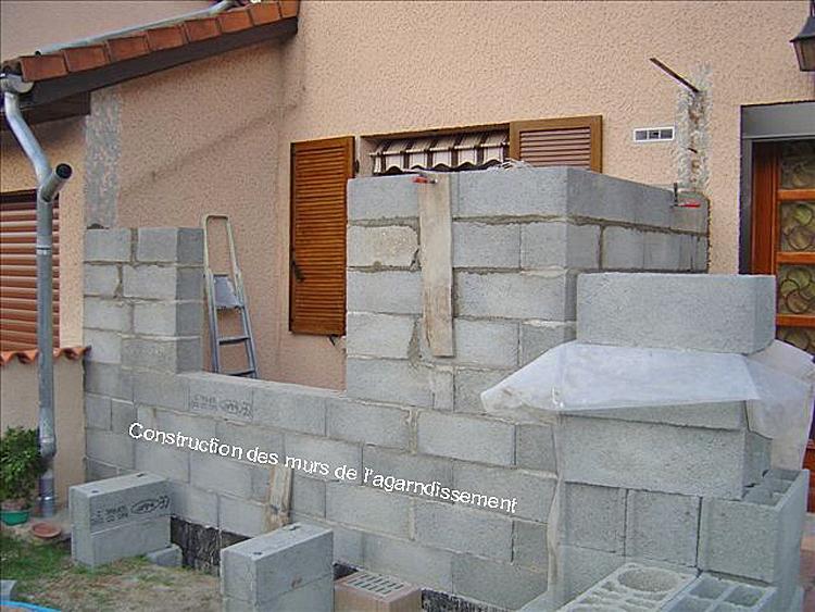 agrandissement maison appui sur les murs existants photo des travaux en cours fondations. Black Bedroom Furniture Sets. Home Design Ideas