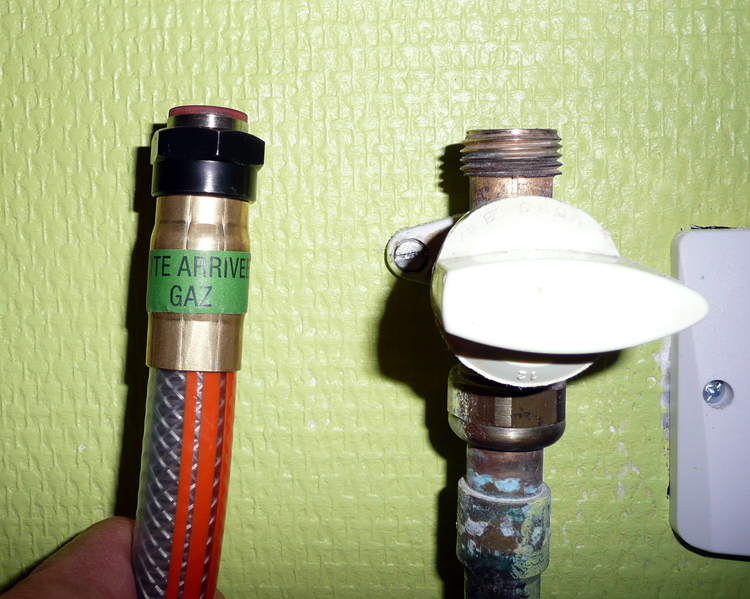 Forum plomberie bricolage raccord gaz propane sur plaque cuisson conseils sou - Installer le gaz de ville dans une maison ...