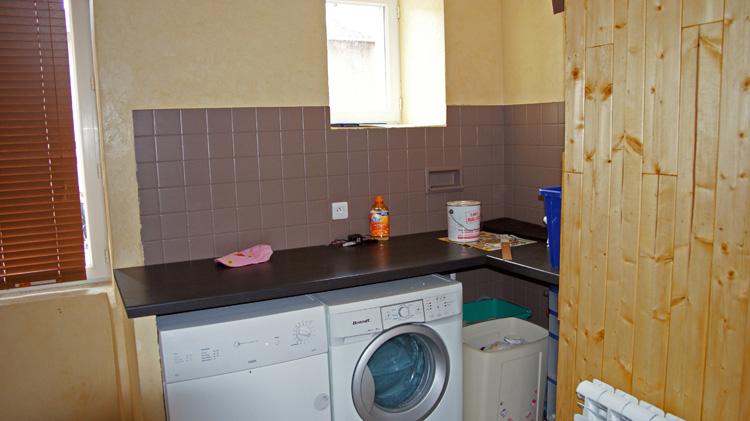 Peindre carrelage salle de bain avant apres for Peindre son carrelage