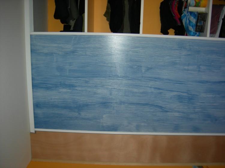 Lasur des portes de placards coulissants en bois outils for Peindre des portes